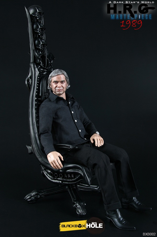 H R  Giger 1/6 Scale Masterpiece Figure with Chair H R  Giger 1/6