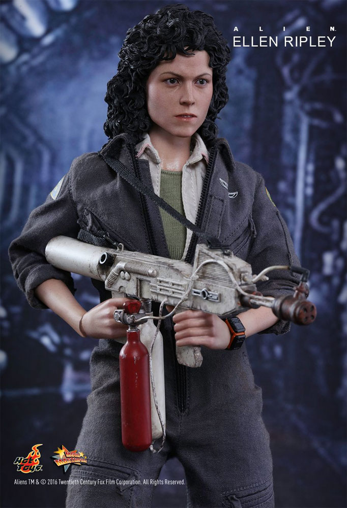Alien Ellen Ripley 1/6 Scale Figure by Hot Toys