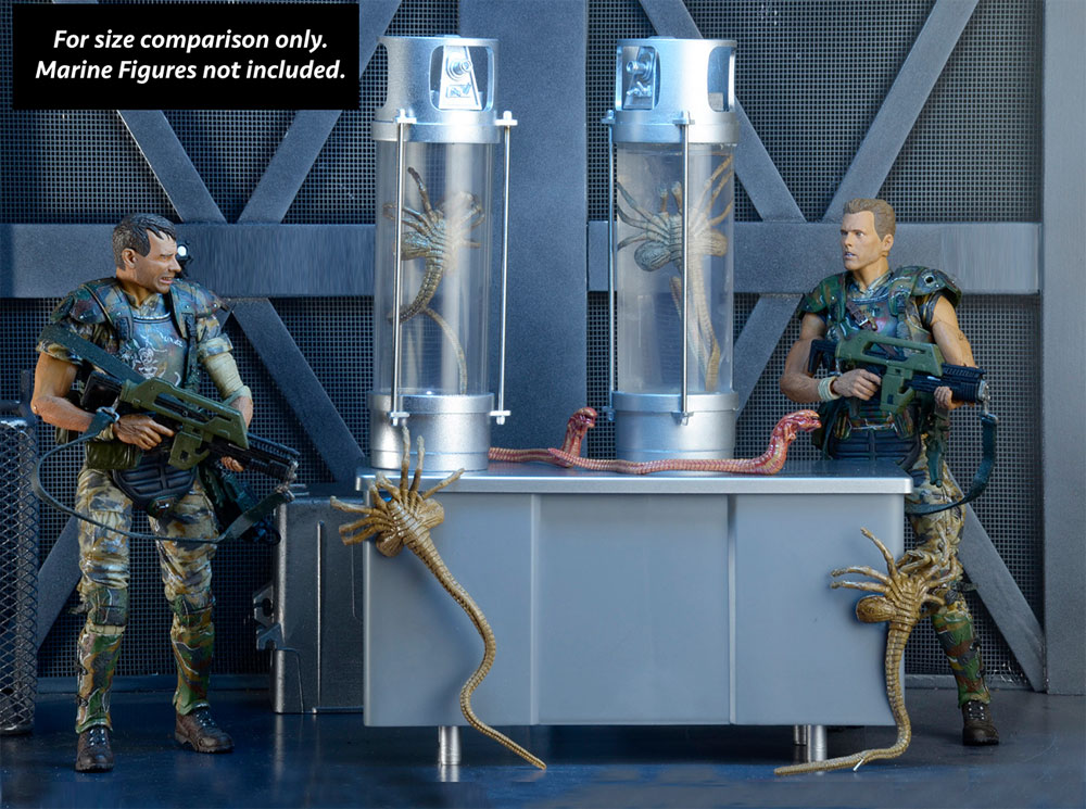 Aliens 30th Anniversary Deluxe Creature Pack Facehuggers, Chest Bursters and Stasis Chambers