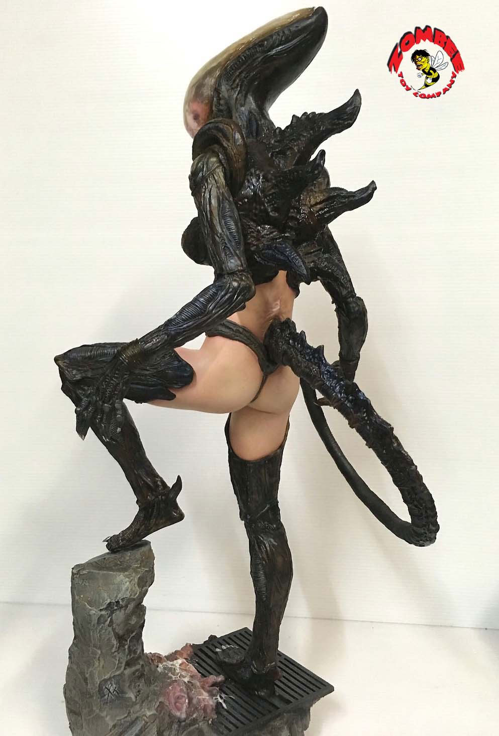 Alien Girl 1/4 Scale Model Kit by Zombee