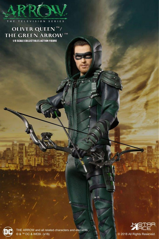 Arrow Oliver Queen Green Arrow 1/8 Scale Figure by Star Ace