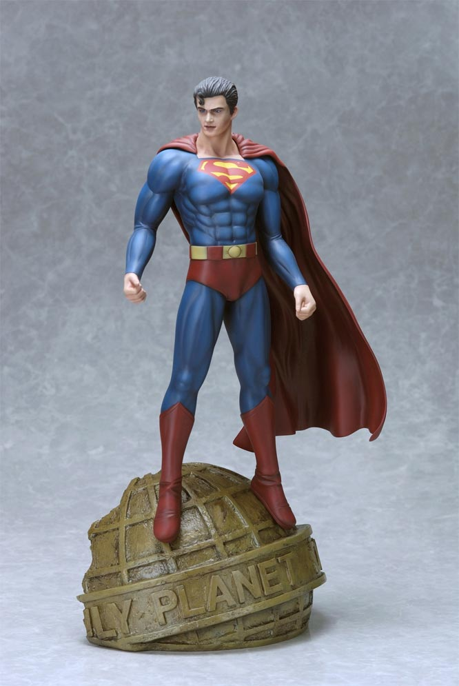 Superman DC Collection 1/6 Scale Statue by Luis Royo for Yamato