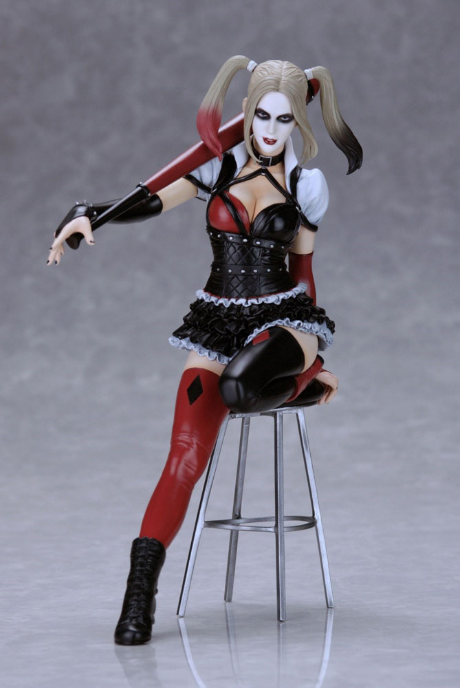 Harley Quinn PVC Statue by Luis Royo