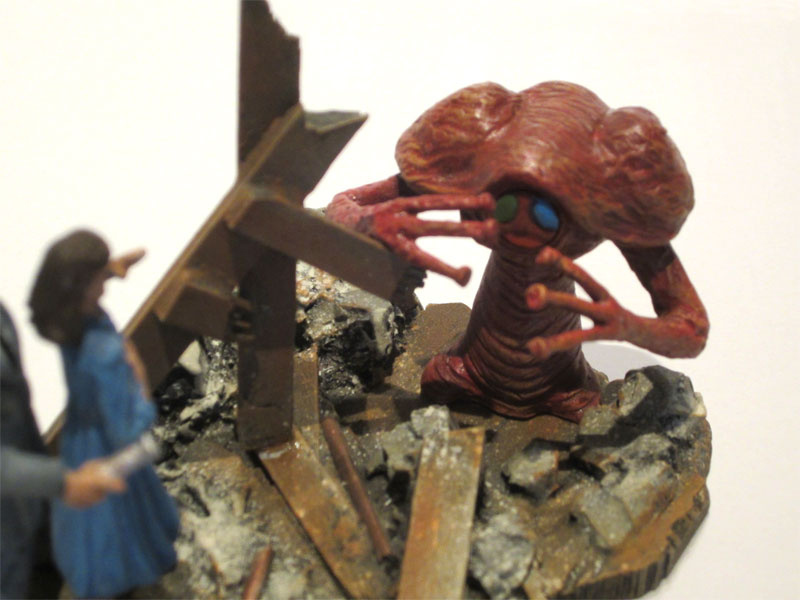 War Of The Worlds Mini Diorama Model Kit by Joe Laudati
