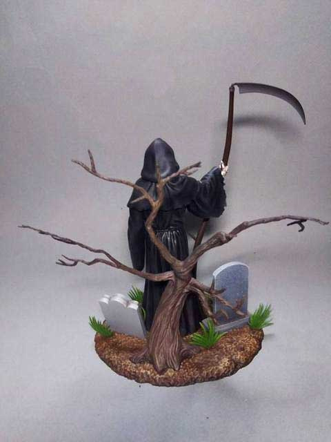 Grim Reaper Aurora Styled Plastic Model Kit by Moebius - Click Image to Close