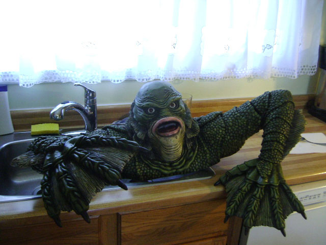 Creature From the Black Lagoon Universal Monsters Grave Walker Foam Prop - Click Image to Close
