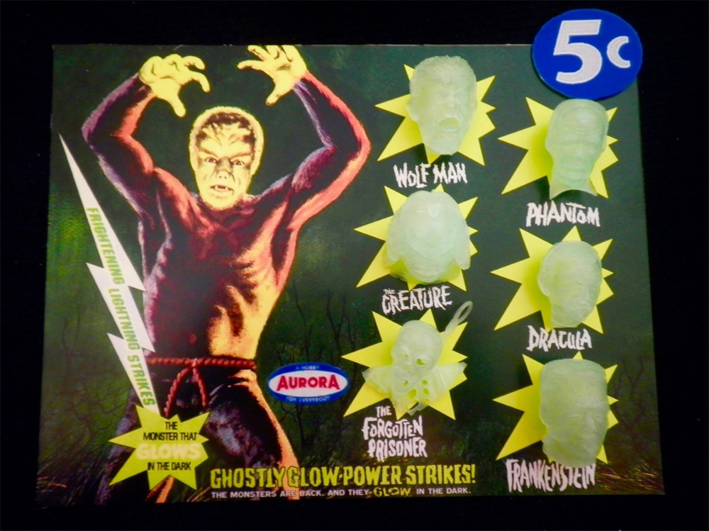 Aurora Monsters Glow Head Fantasy Model Display Card Wolfman Version