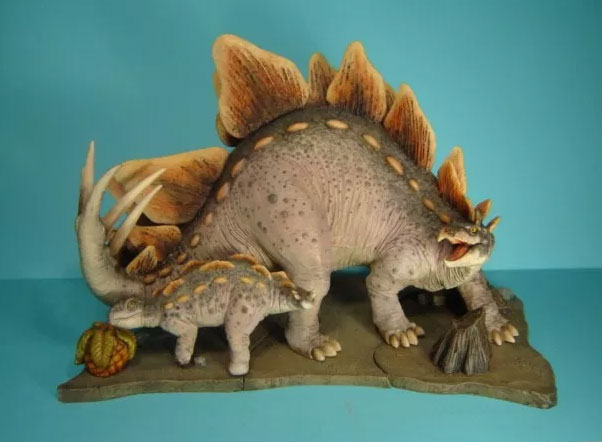 Aurora What if Stegosaurus with Baby and Base Model Kit