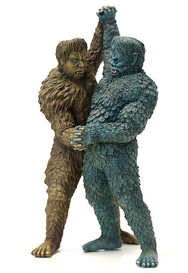 "War of the Gargantuas Sanda VS. Gaira 10"" Figures by Chikyu Boueigun Himitsukichihonbu"