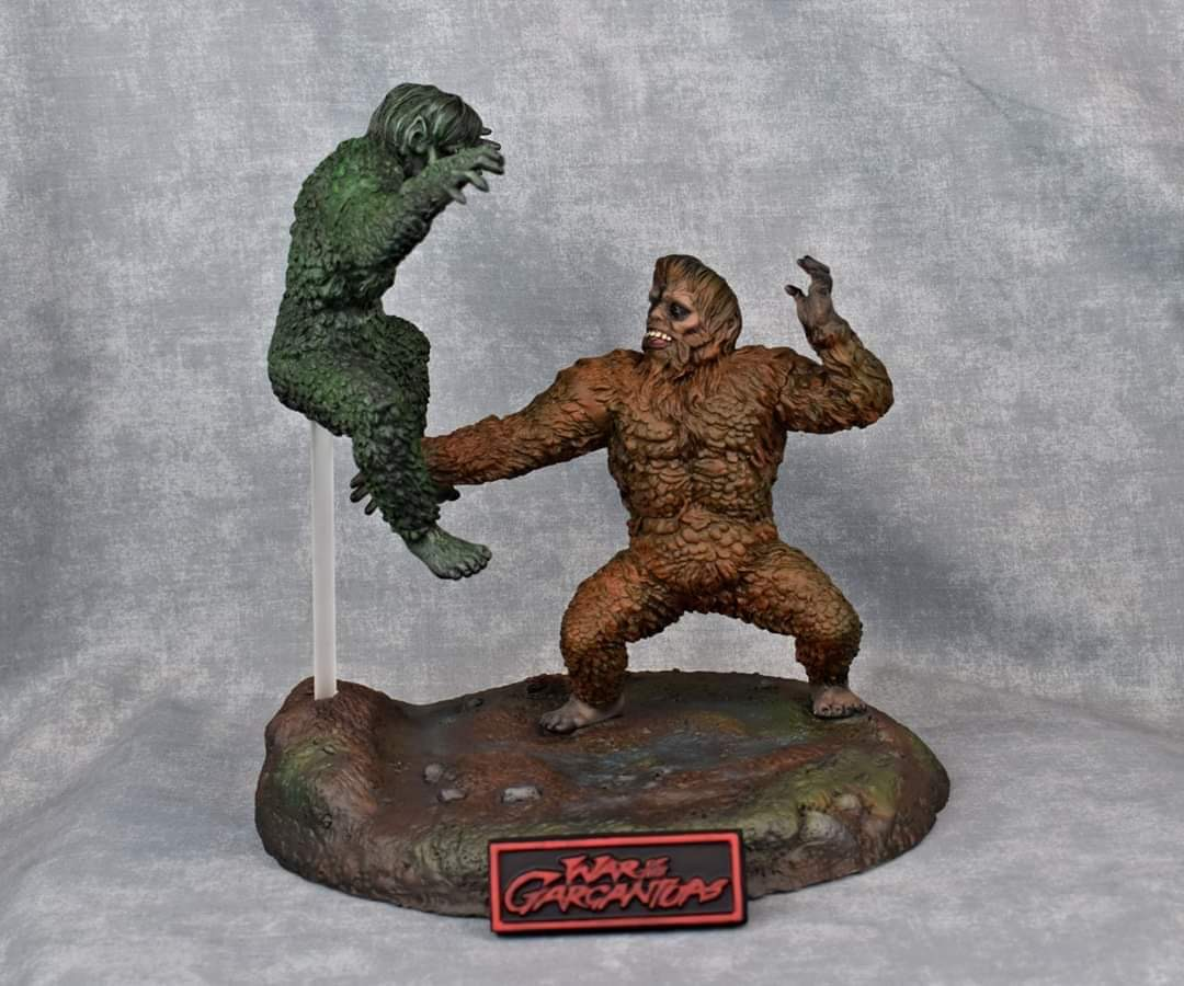 War of the Gargantuas 2 Piece Resin Model Kit