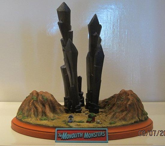 Monolith Monsters Giant Resin Model Kit
