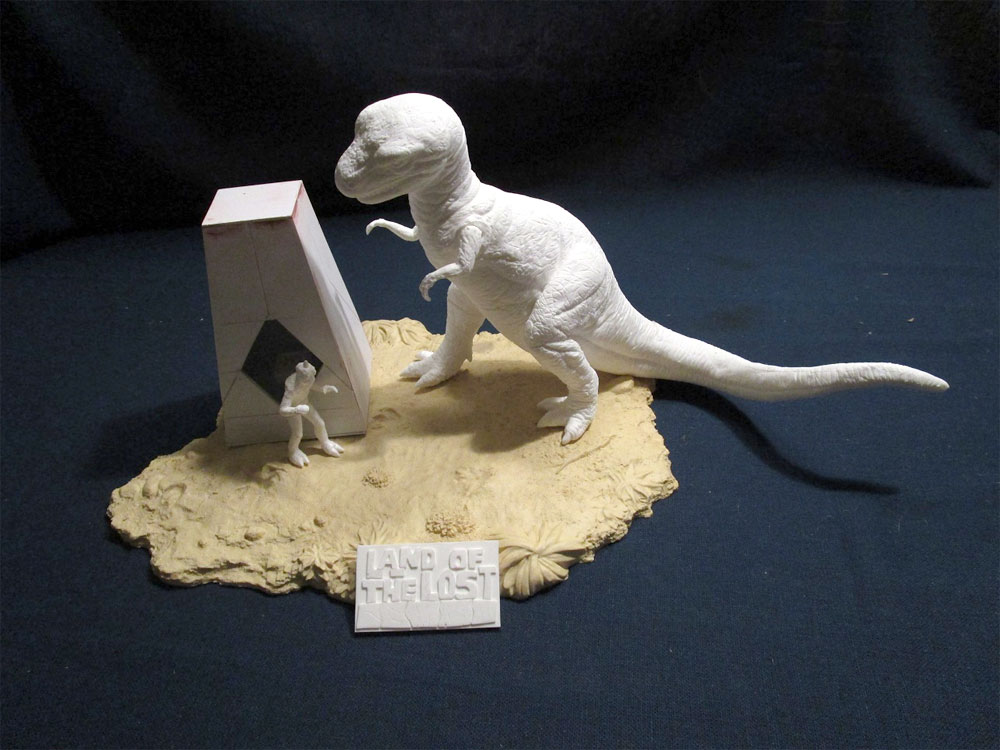 Land Of The Lost 1974 Pylon, Sleestack and Grumpy Diorama Model Kit