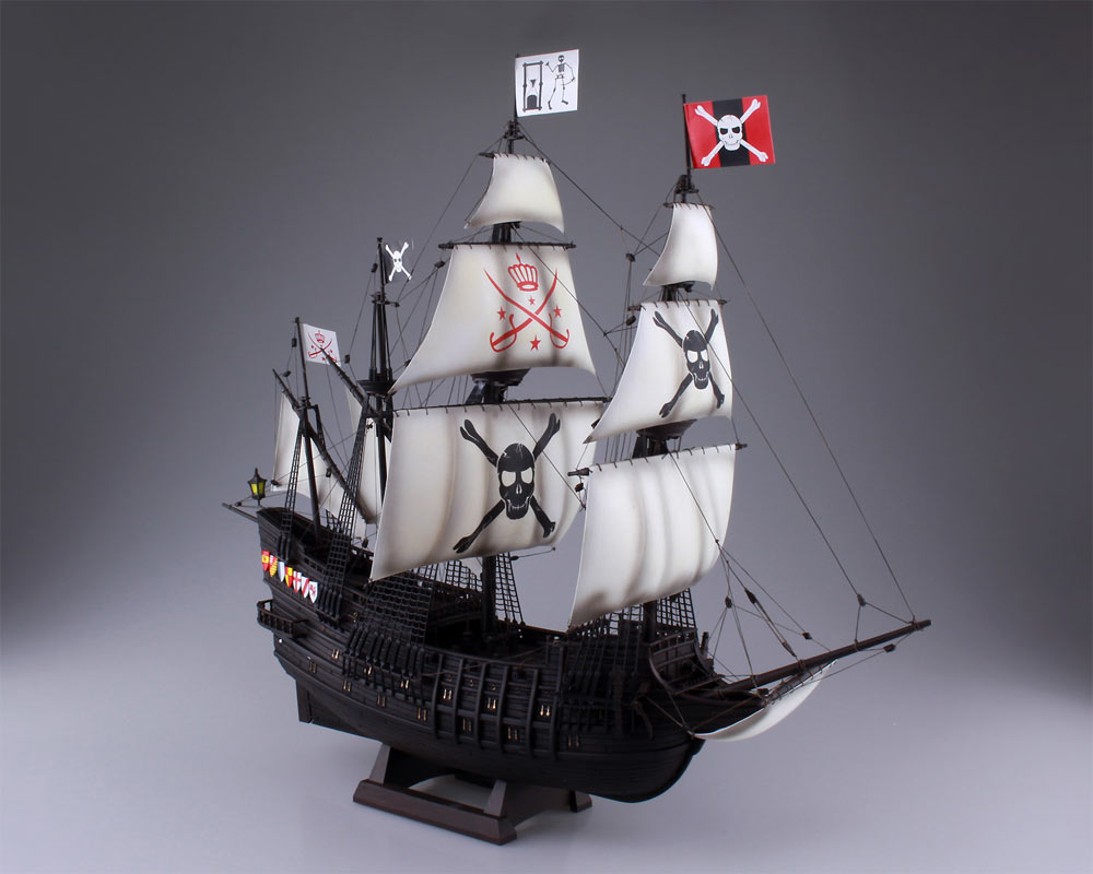 Pirate Ship 1/100 Scale Model Kit by Aoshima - Click Image to Close