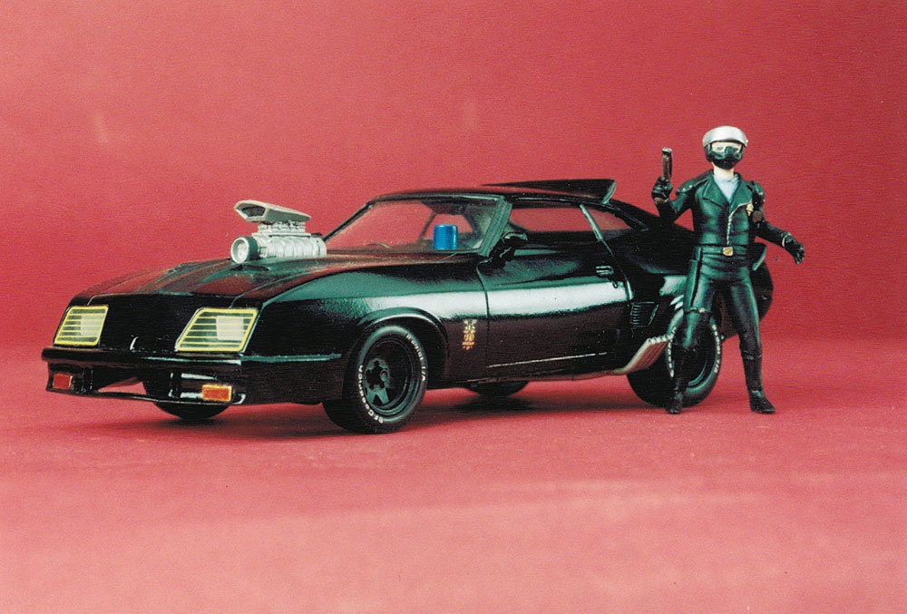 Mad Max Last Of The V8 Police Interceptor 1 24 Scale Model