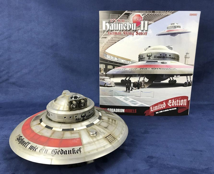 Haunebu II German WWII Flying Saucer Fu Fighter 1/72 Scale Model Kit Limited Premium Edition