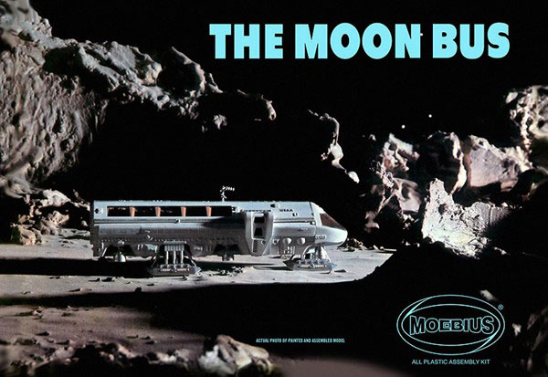 2001: A Space Odyssey AURORA Moon Bus Plastic Model Kit Moebius (VERSION A)