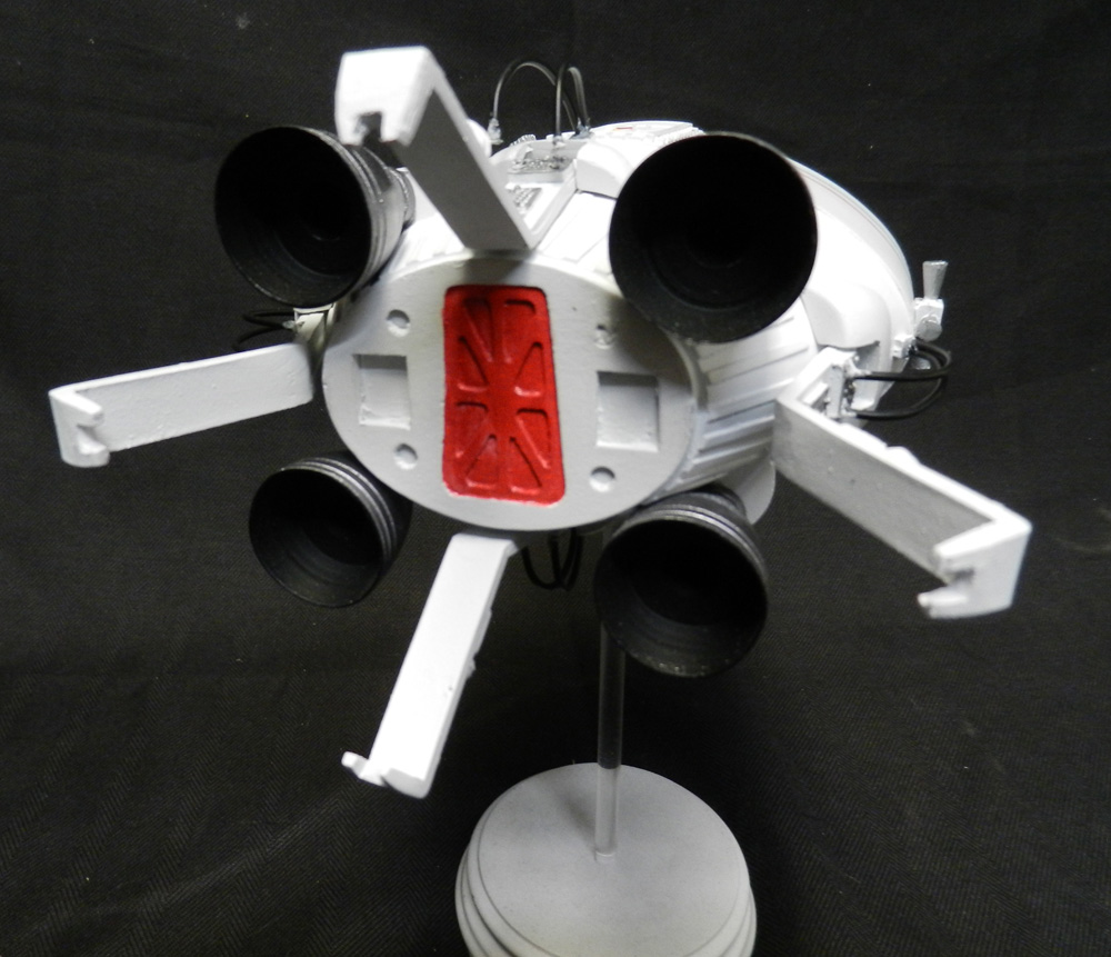 Space 1999 Ultra Probe Command Module Lifeboat 1/32 Scale Model Kit
