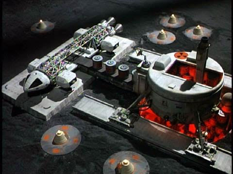 Space 1999 Nuclear Disposal Area 2 1/72 Scale Model Kit