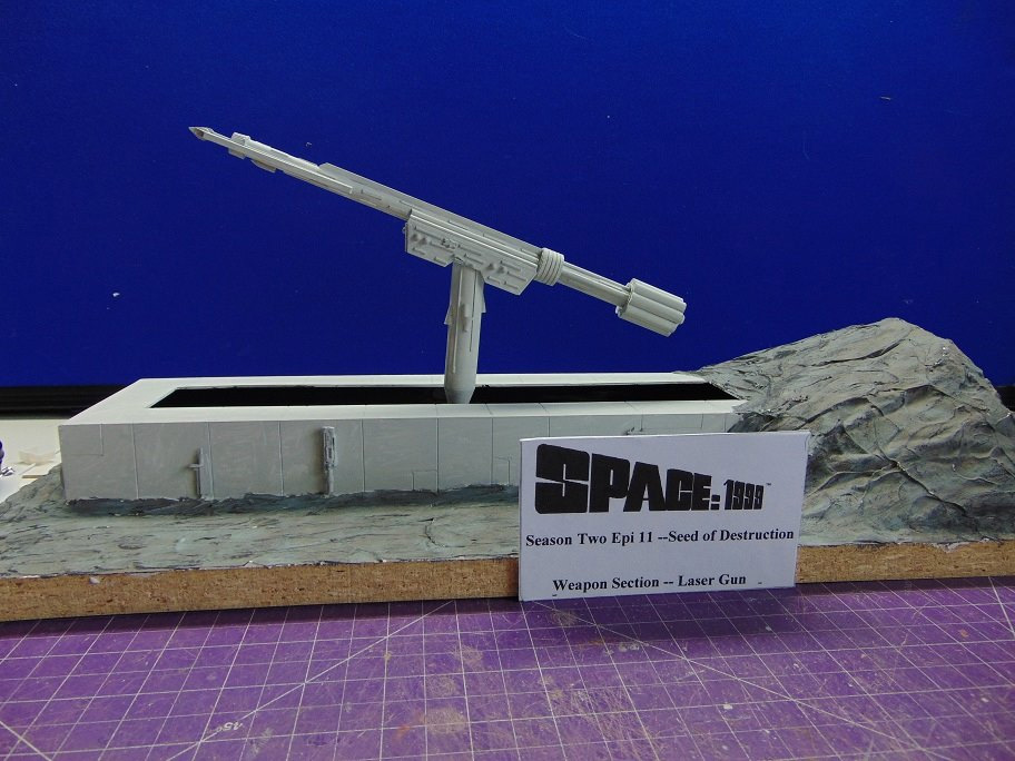 Space 1999 Moon Base Laser Gun Model Kit