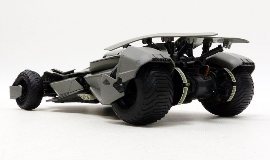 Batman Vs. Superman Batmobile 1:18 Scale Hot Wheels Elite Diecast Vehicle - Click Image to Close