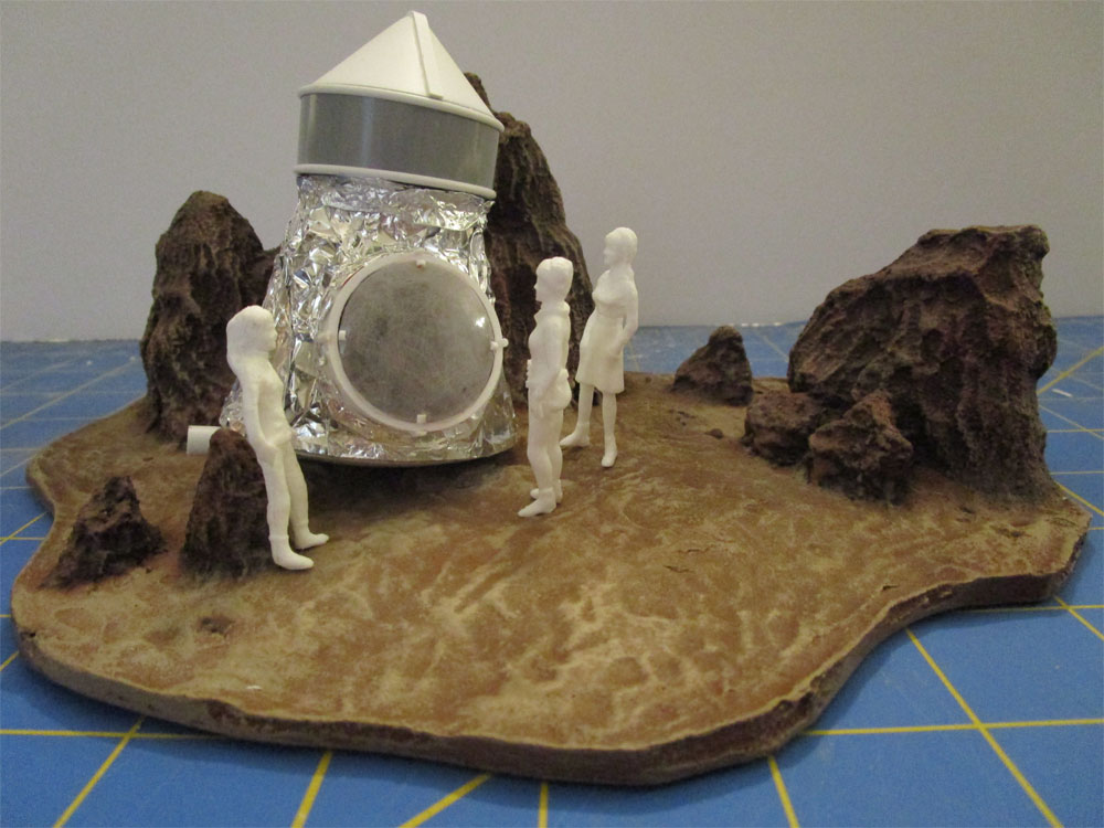 Lost In Space One Of Our Dogs Is Missing 1/35 Scale Diorama Model Kit