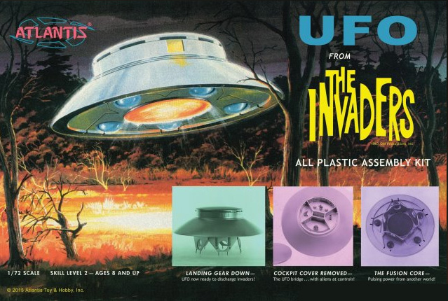 Invaders Flying Saucer U.F.O. 1/72 Scale Model Kit Deluxe Aurora Atlantis Re-Issue with Clear Lights and Dome ORIGINAL BOX