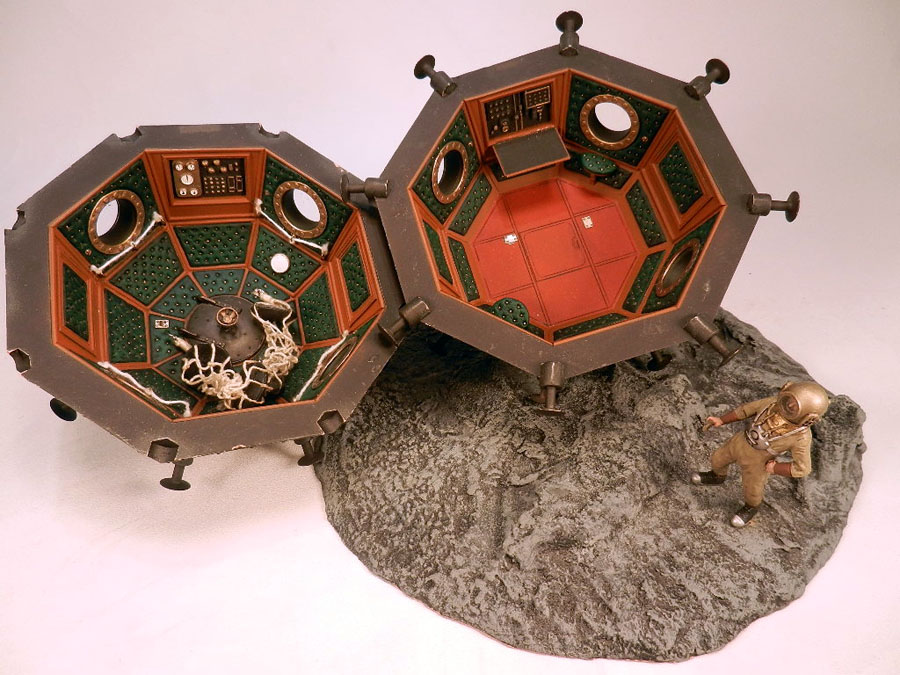 Cavorite Sphere Model Kit H.G. Wells