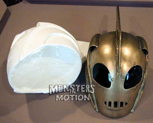 Rocket Helmet Prop Replica Deluxe Model Kit