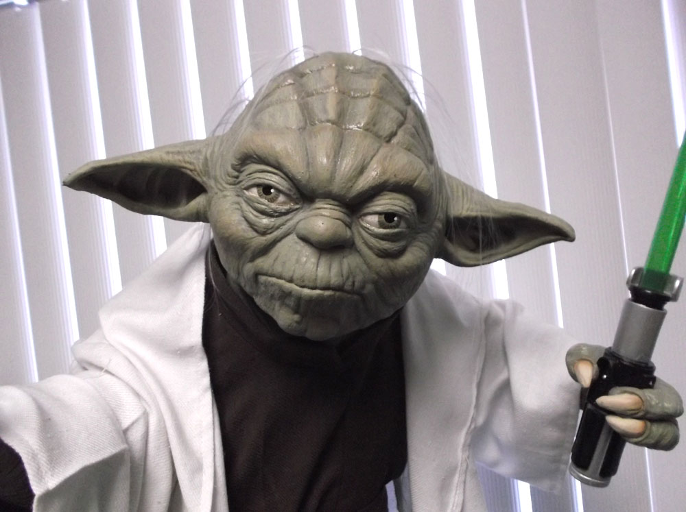 Star Wars Yoda Life Size Prop Replica Display Episode II