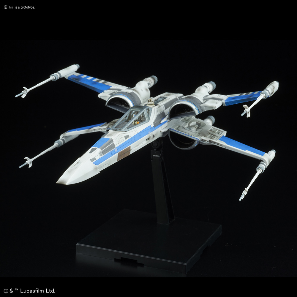 Star Wars The Last Jedi Blue Squadron Resistance X-Wing 1/72 Scale Model Kit