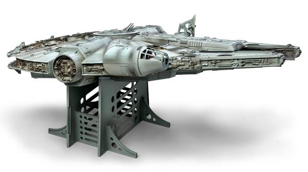 Star Wars Millennium Falcon 1/72 Master Series Model Kit by