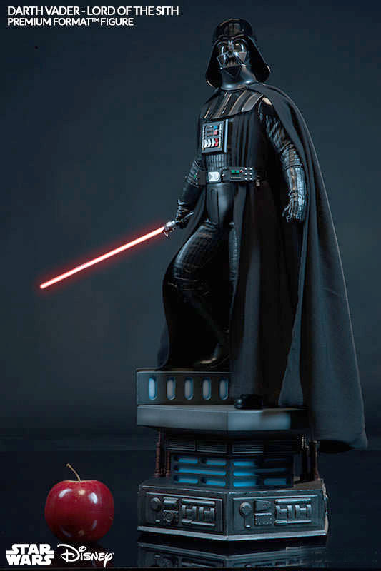 Star Wars Darth Vader Premium Format Figure by Sideshow