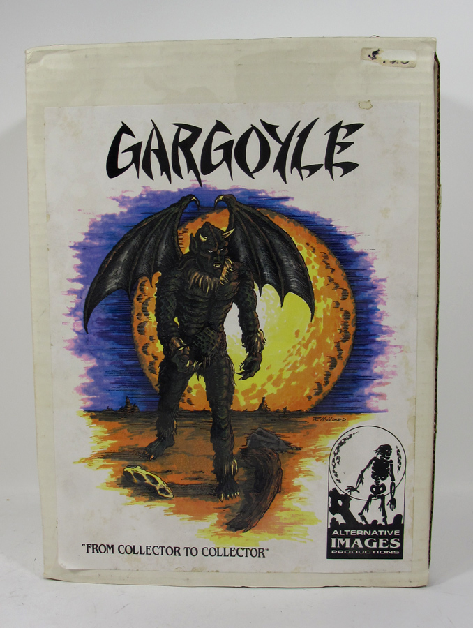 Gargoyle 1/6 Scale Model Kit with base by Alternative Images