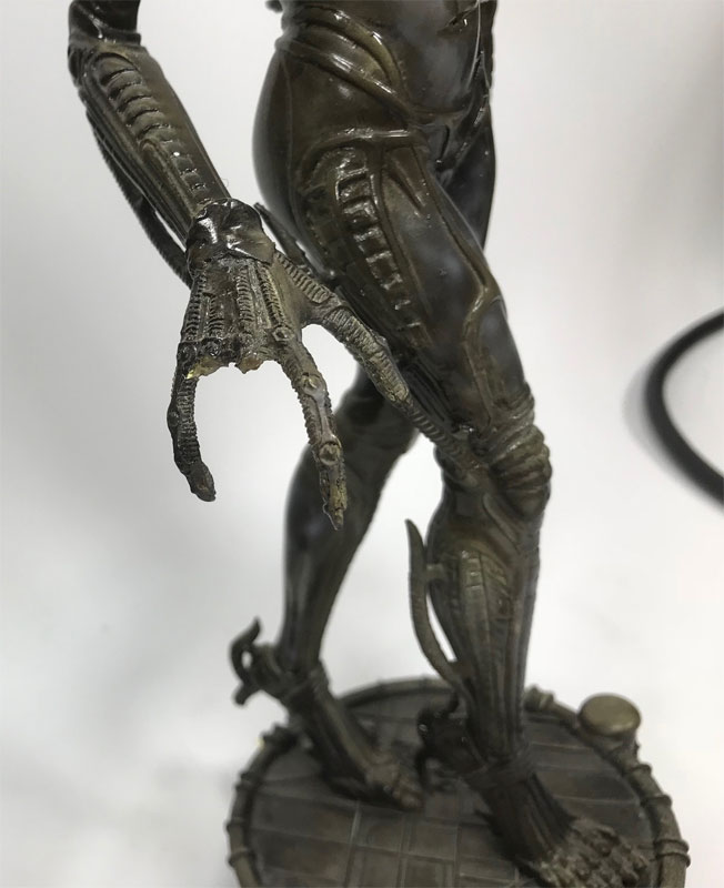 Species Sil 12 Inch Pre-Painted Statue by Horizon DAMAGED