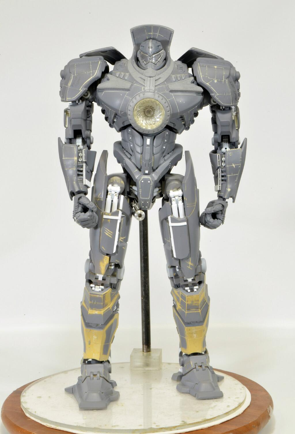 "Pacific Rim 18"" Electronic Gipsy Danger-Series 01/ LTD Ed."