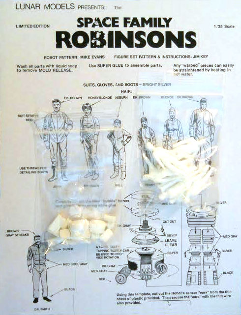 Lost In Space Family Robinson Figure Set 1/35 Scale Model Kit
